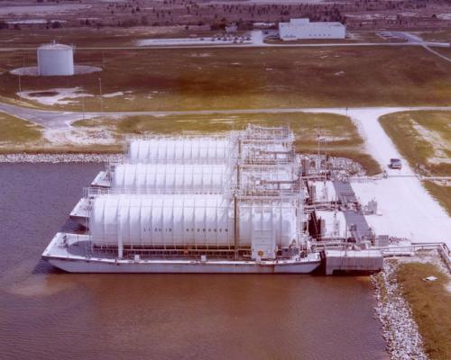 NASA_liquid_hydrogen_barges_at_Stennis_Space_Center_(77-123-5)